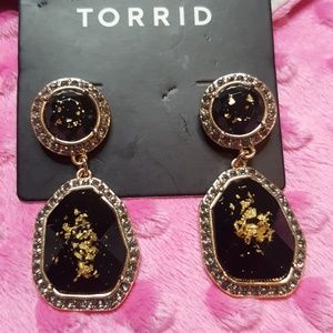 NWT Amazing Black and Gold EARRINGS